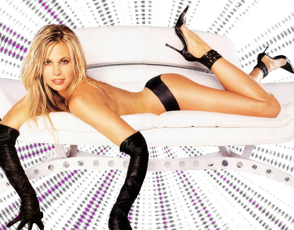 Брук Бернс (Brooke Burns) в стиле ню
